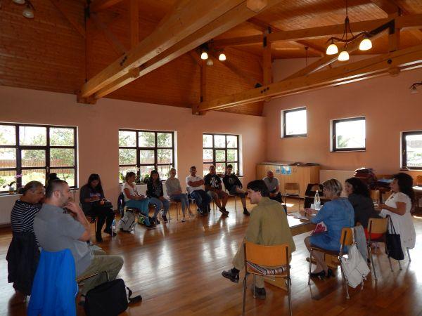 Kerekasztal-beszélgetés a gyergyószentmiklósi romák gazdasági-szociális helyzetéről
